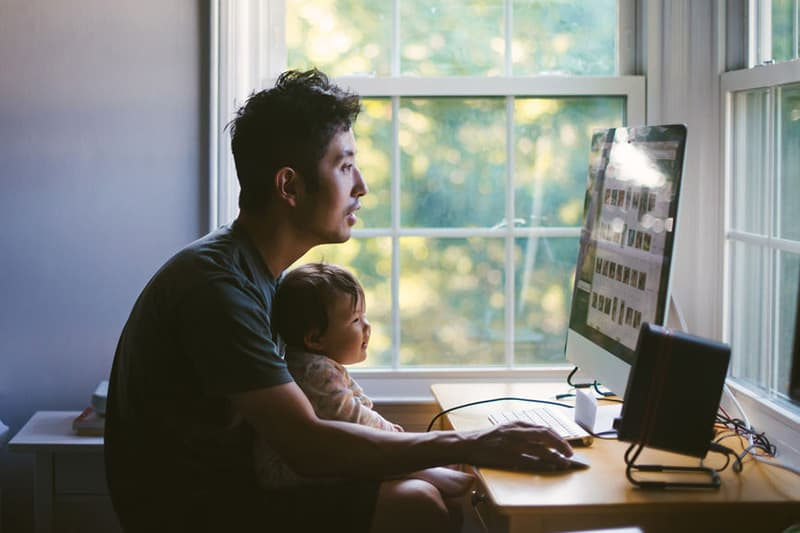 father_child poor posture