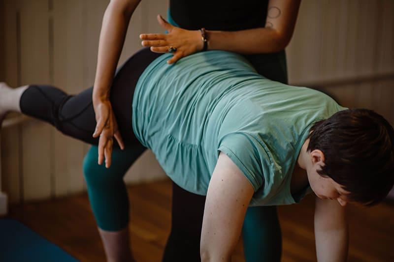 prenatal-yoga-assist